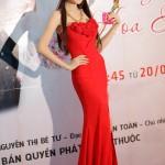 Hot girl Lilly Luta rạng ngời bên Lưu Quang Anh